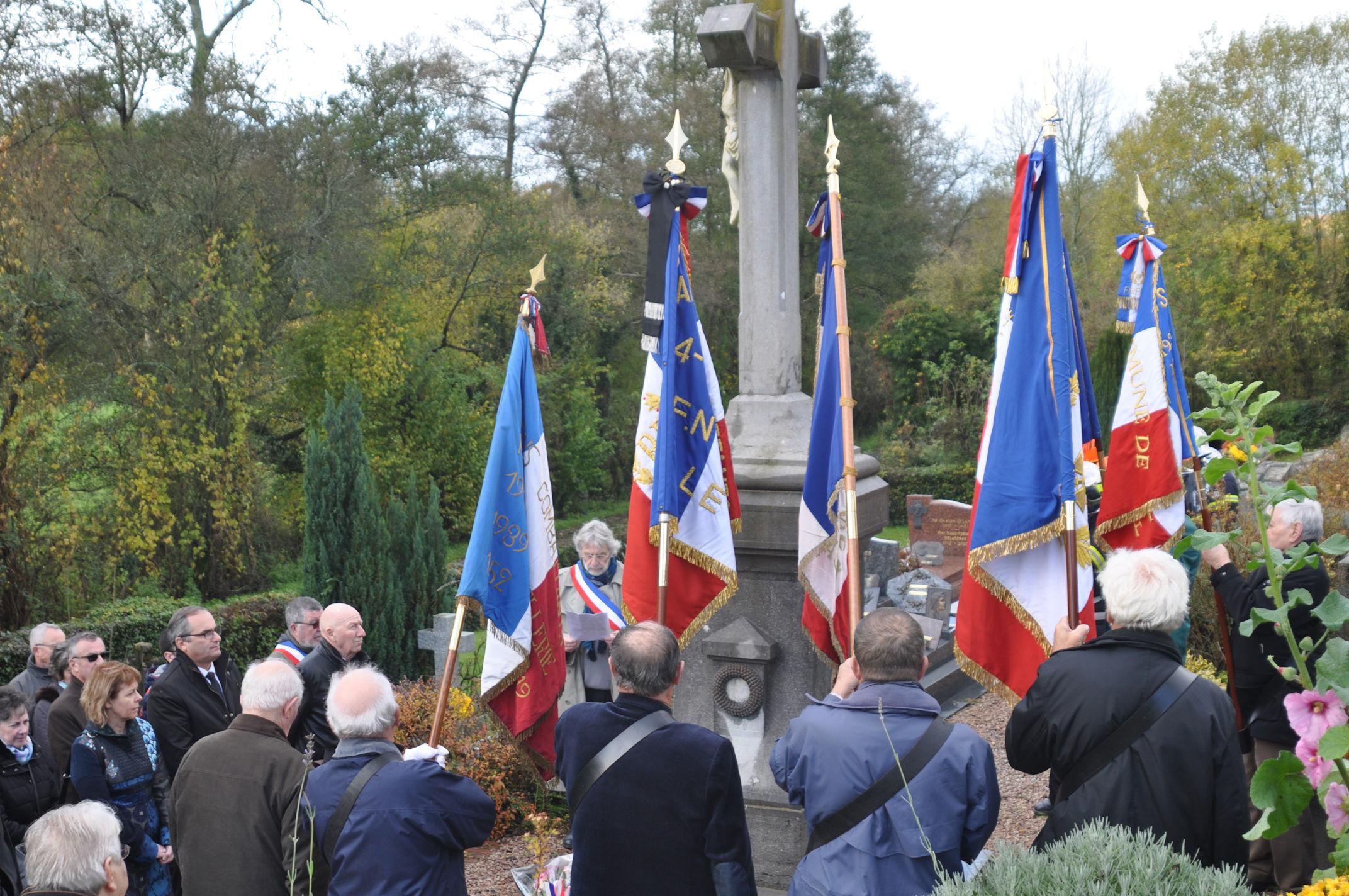 ceremonie-au-monument-aux-morts