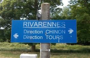 gare-de-rivarennes-37-panneau-sncf-de-direction