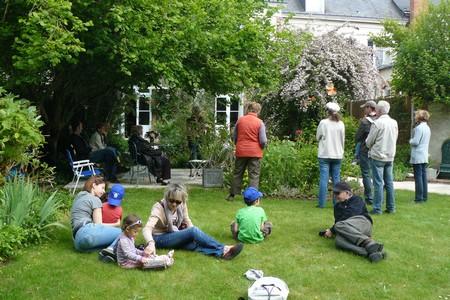 lecture-au-jardin