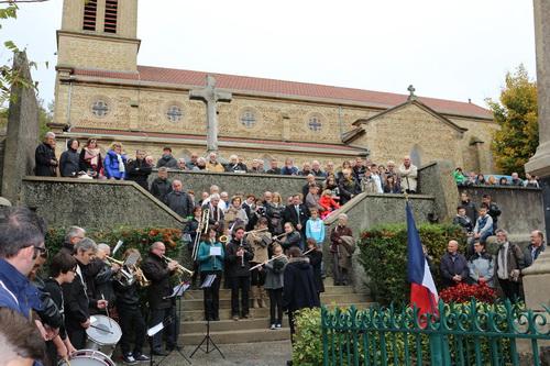 ceremonie-du-11-novemebre-bellegarde-poussieu-public