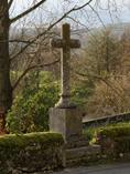 croix-au-dessus-de-la-fontaine