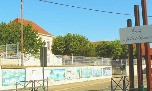 fresque-en-2017-de-ecole-joliot-curie-saint-andre-le-gaz