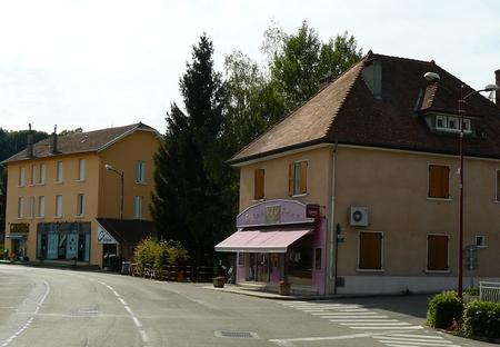 commerces-quartier-gare-st-andre-le-gaz