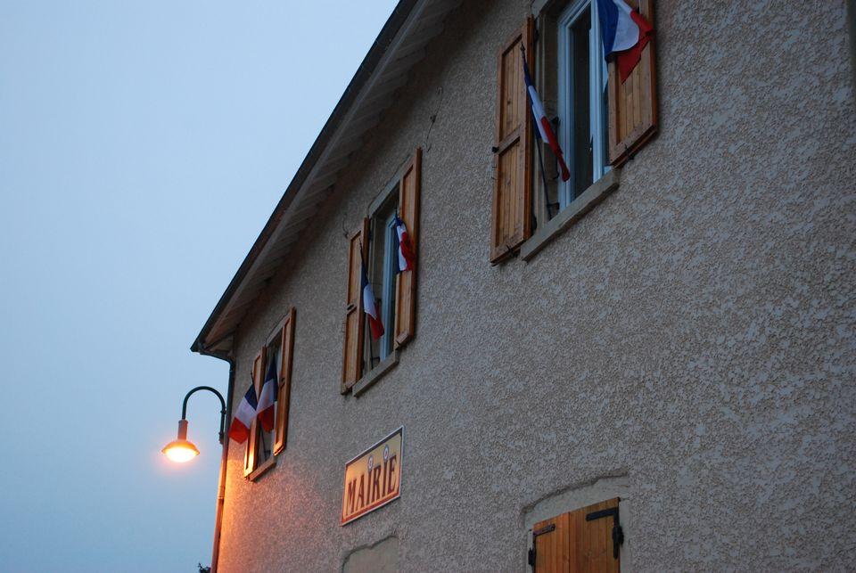 la-mairie-de-succieu-au-village