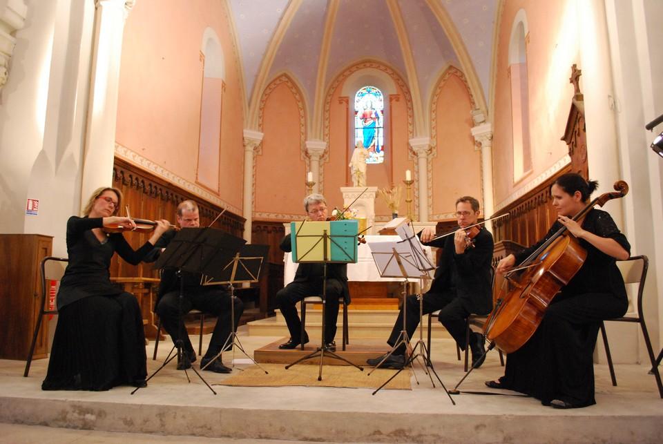 succieu-le-quintet-du-conservatoire-hector-berlioz-joue-mozart-et-brahms-photo-mairie-de-succieu