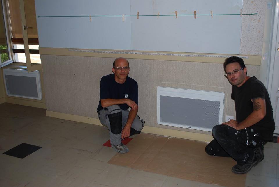 les-electriciens-de-lentreprise-lybelec-ont-change-les-radiateurs-de-lecole