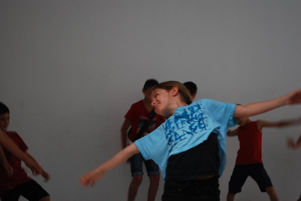 theatre-et-danse-pour-le-spectacle-de-fin-dannee-de-lecole-de-succieu-photo-mairie-de-succieu