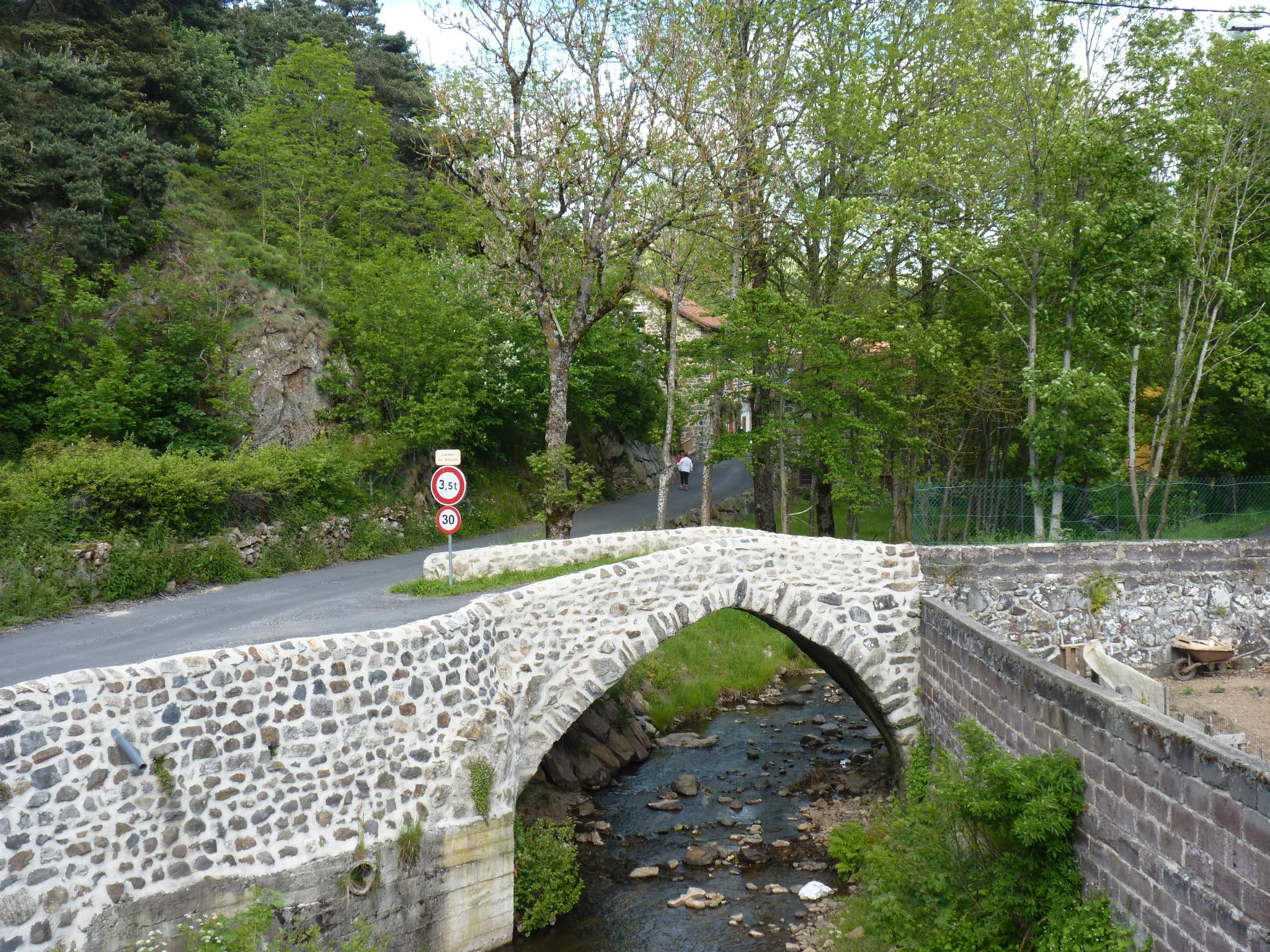 pont-ancien-sur-la-laussonne