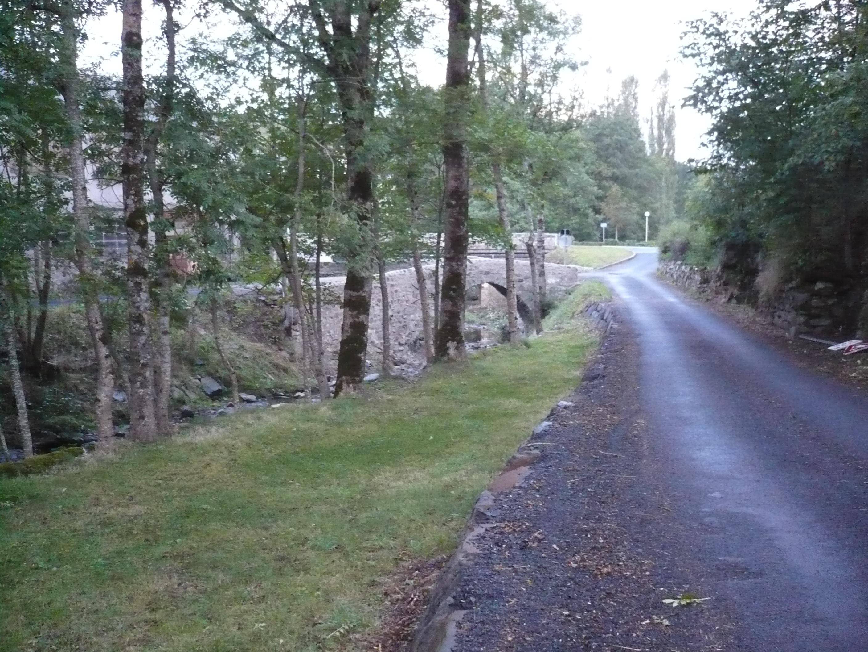 riviere-la-laussonne-et-pont-ancien