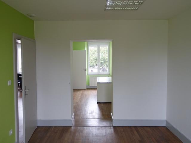 ouverture-entre-la-salle-des-soins-et-le-bureau