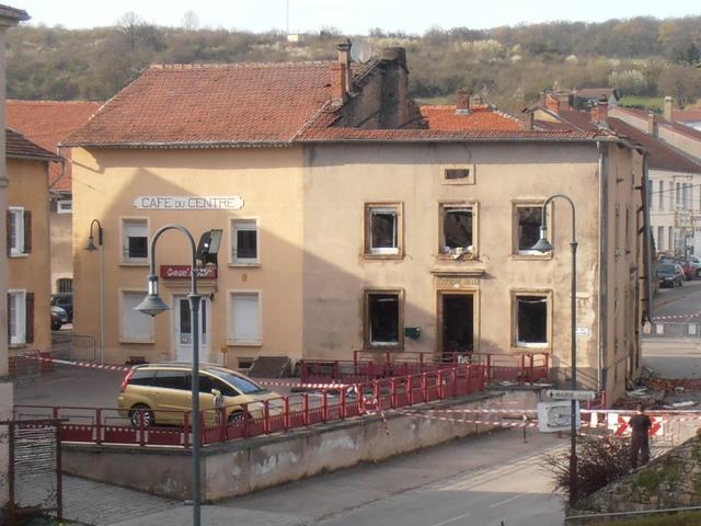 demolition-cafe-du-centre-maison-clessienne-muller-29-03-2014