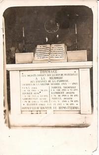 monument-aux-morts-situe-dans-la-grotte-mariale