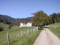 le-chateau-de-pramenoux-a-saint-nizier