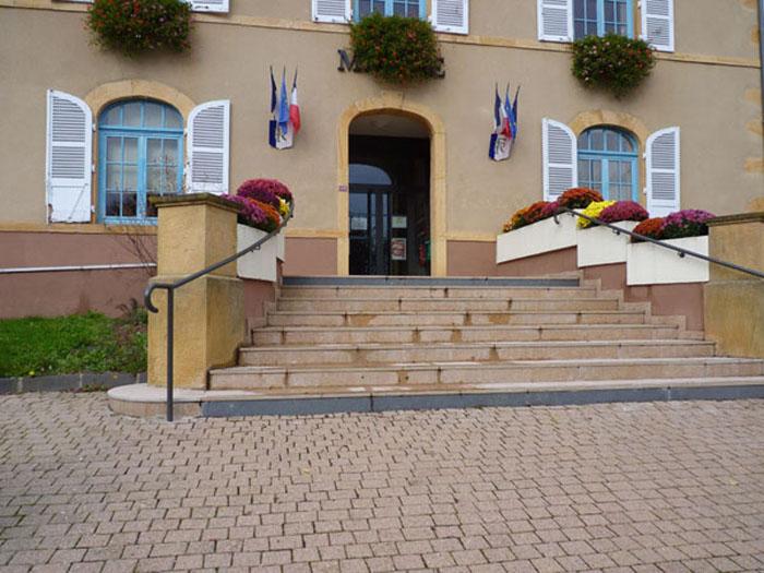 travaux-2016-accessibilite-001-escalier-exterieur-de-la-mairie