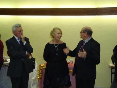 inauguration-expo-dec-2011-yola-paris-avec-mr-drouhin-maire-de-flagy-et-mr-frot-conseiller-regional