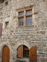 fenetre-a-meneau-au-village