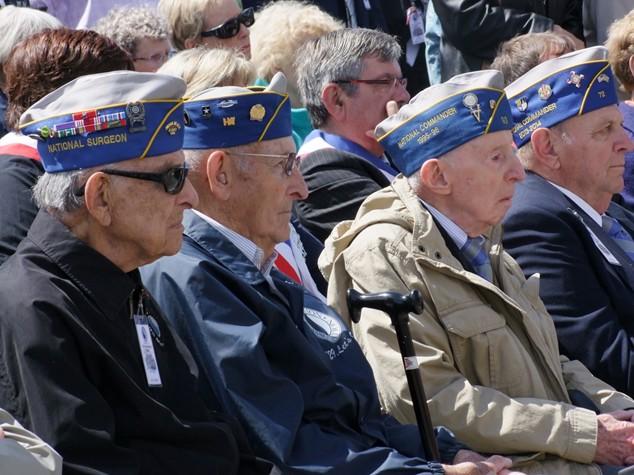 stele-ceremonie-veterans