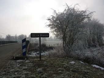 derniere-vue-sur-le-village-avant-de-longer-les-berges